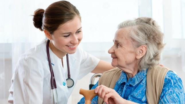 Điều dưỡng viên đóng vai trò quan trọng trong hệ thống Y tế